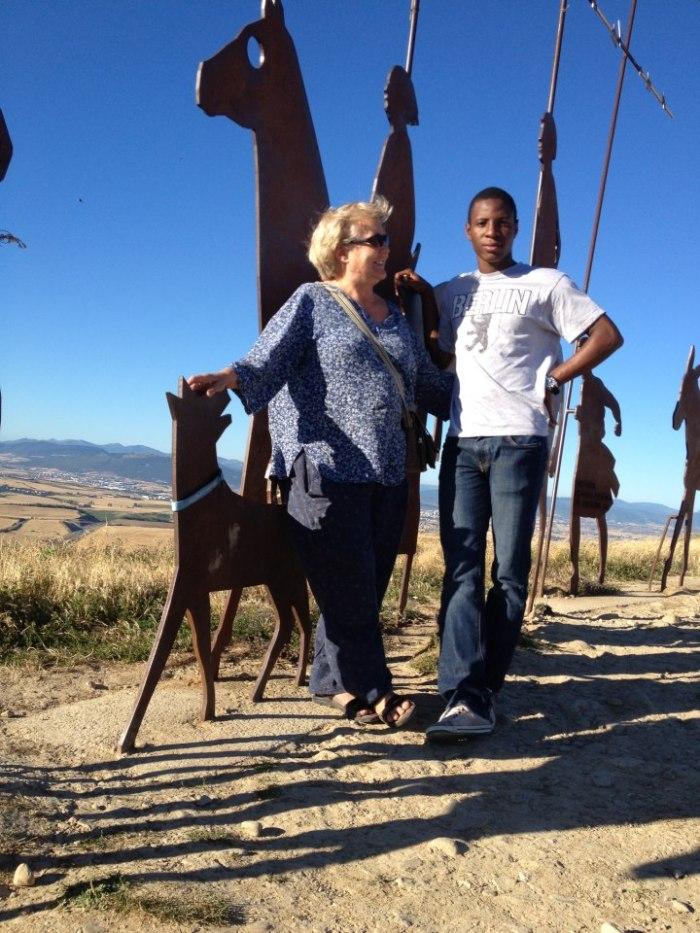 Blanca y Hervé en el monte del Perdón, Navarra. HERVÉ THERA