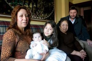 AUTOR: RUBÉN ELIZARI FECHA: 5 - 3 - 2012 LUGAR: BURLADA TEMA: FAMILIA CALVIÑO ALVARADO AFECTADOS POR INCENDIO