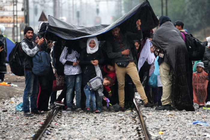 refugees-rain-greece-macedonia 5