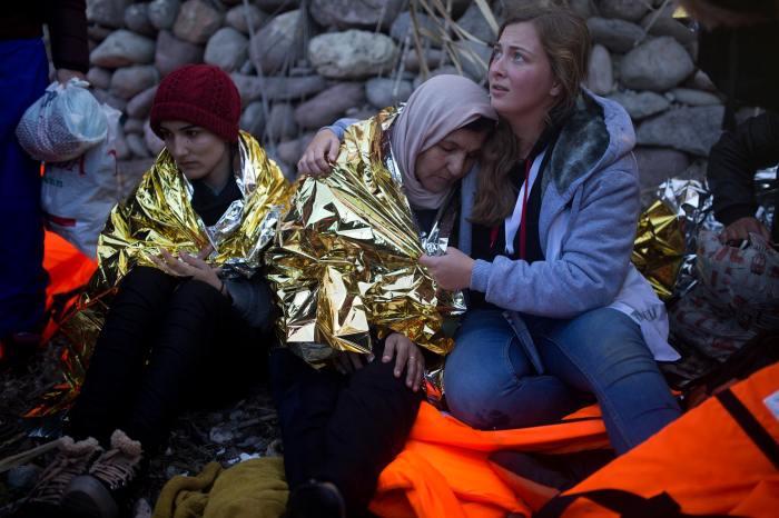 VoluntariaAcogida_Lesbos